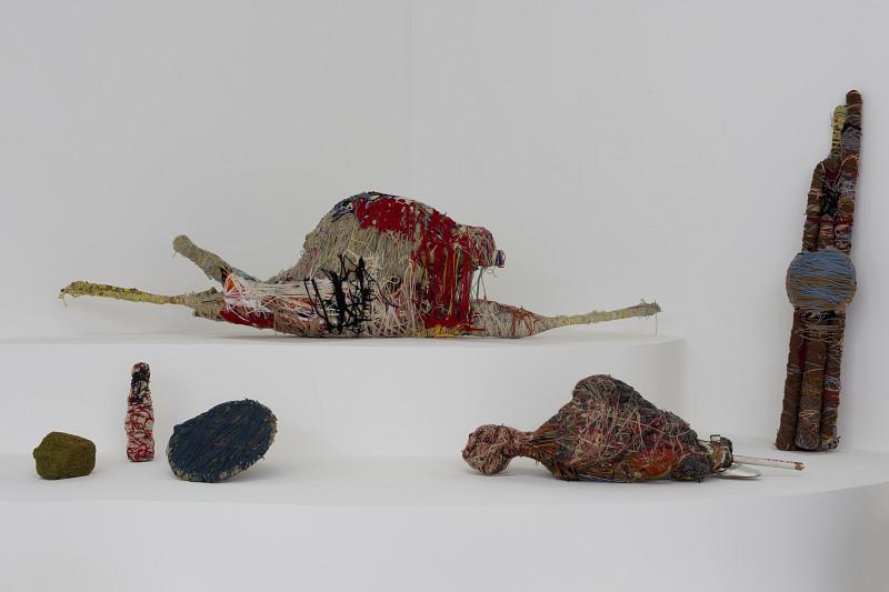 Judith Scott au coeur de l'exposition Inextricabilia, à Paris, à la Maison rouge. 20 sculptures y sont réunies grâce à des prêts exceptionnels…
