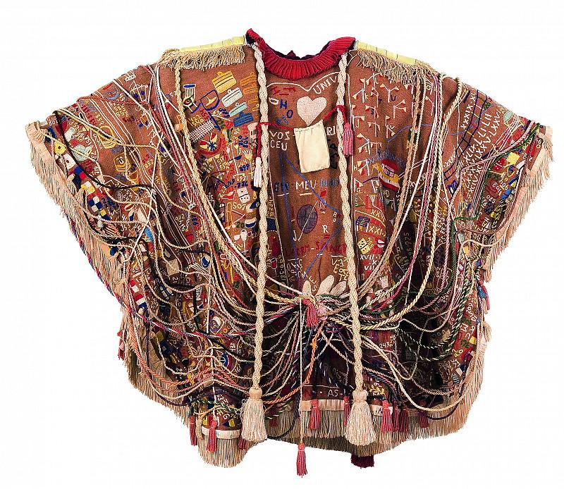 Manteau de mystère et d'enchevêtrements magiques…