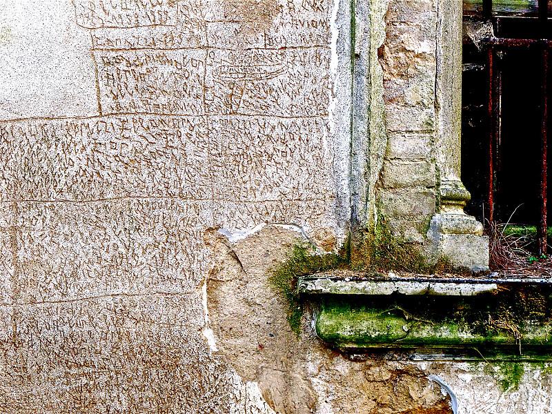 « Le Quotidien de l'Art » salue Nannetti et le « Livre de pierre »